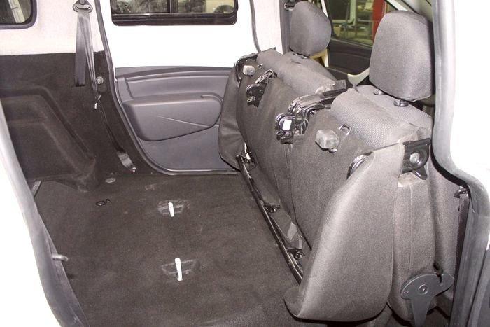 Из LADA Largus сделали грузопассажирский «каблук»