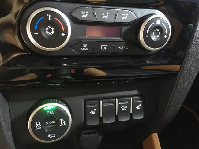 LADA Xray Cross: новая АМТ и увеличенный до 215 мм клиренс